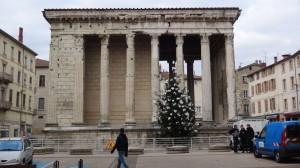 18 Tempel in Vienne 1e eeuw voor Chr.  .