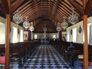 21 Kerk Le Marin