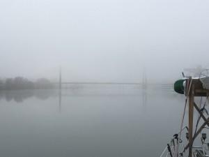 10 De brug bij Chalon sur Saône in de mist.
