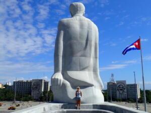 Havana, Plaza de Revolucion. Standbeeld van Jose Marti,