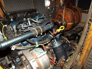 37 motorruimte met 20 liter boiler