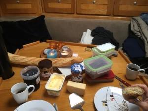 15 Vers stokbrood tijdens ontbijt