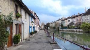 11- De Marne door Joinville