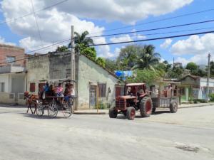 Manzanillo. Paard en wagen als openbaar vervoer nog heel gewoon